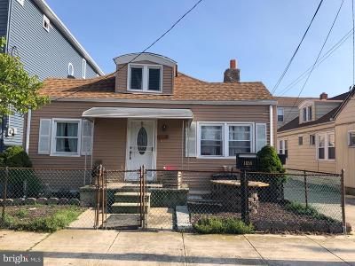 Atlantic City Multi Family Home For Sale: 1658 W Riverside Drive W