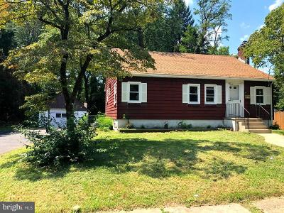 Mount Holly Single Family Home For Sale: 116 Clover Street