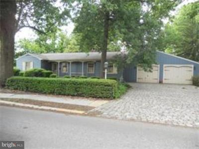 Burlington Single Family Home For Sale: 219 W Pearl Street