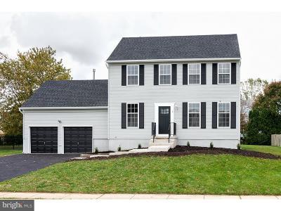 Burlington Township Single Family Home For Sale: 5 Ivy Lane