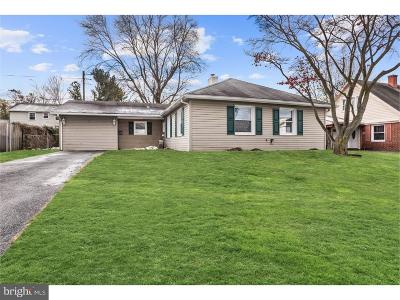 Willingboro Single Family Home For Sale: 18 Pilgrim Lane