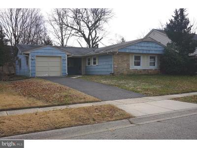 Willingboro Single Family Home For Sale: 36 Hollis Lane