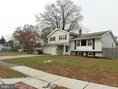 Mount Laurel Single Family Home Under Contract: 139 E Saint Andrews Drive