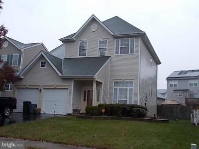Burlington Single Family Home For Sale: 15 Mohawk Trail
