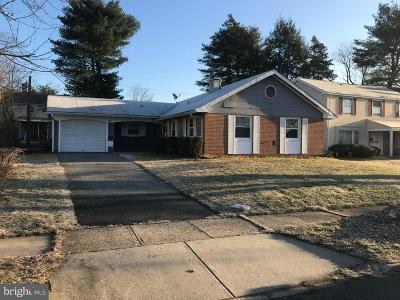 Willingboro Single Family Home For Sale: 15 Berkshire Lane