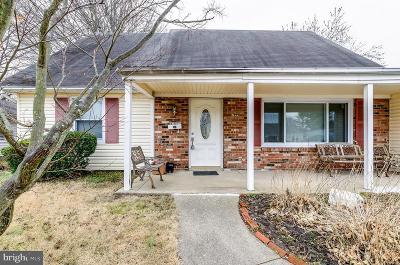 Willingboro Single Family Home For Sale: 95 Echohill Lane