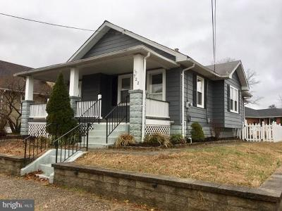 Burlington Single Family Home For Sale: 722 Wood Street