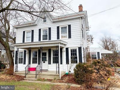 Bordentown Single Family Home For Sale: 183 Crosswicks Rd
