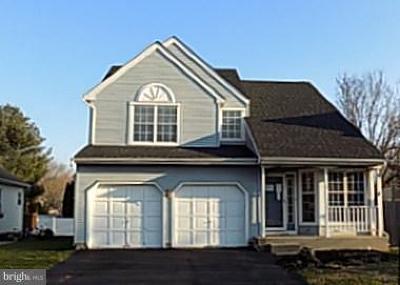 Burlington Single Family Home For Sale: 9 Wesley Lane