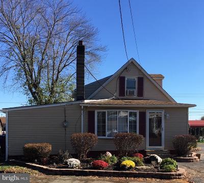 Bordentown Single Family Home For Sale: 939 Jacksonville Mount Holly