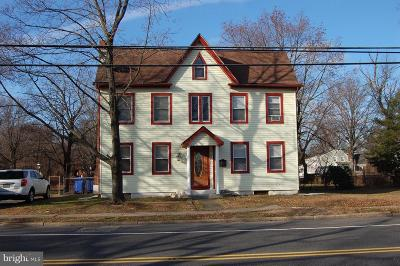 Delanco Single Family Home For Sale: 1900 Burlington Avenue