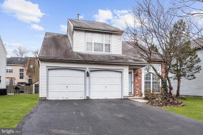Burlington Single Family Home For Sale: 30 Ridgewood Way