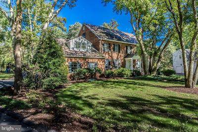 Moorestown Single Family Home For Sale: 11 Winterberry Road