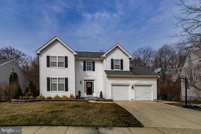 Burlington Single Family Home For Sale: 11 Greenbriar Court