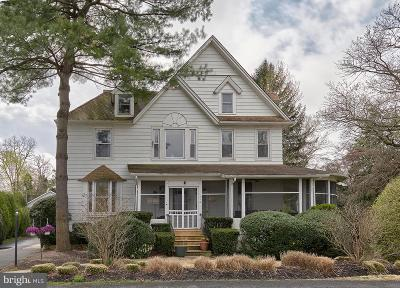 Beverly Single Family Home For Sale: 112 Riverbank