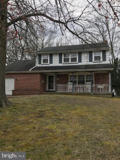 Cinnaminson Single Family Home For Sale: 104 Shenandoah Road