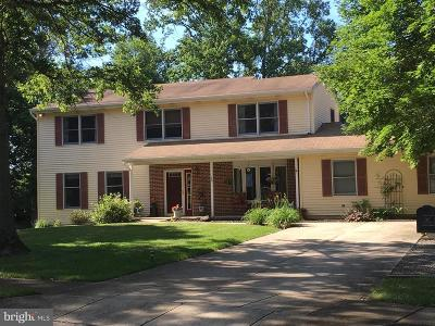 Chesterfield Single Family Home For Sale: 26 Cromwell