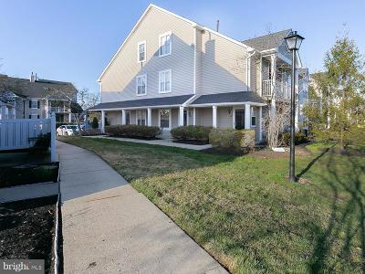 Mount Laurel Single Family Home For Sale: 407 Saxony Drive