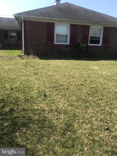 Willingboro Single Family Home For Sale: 32 Midfield Lane
