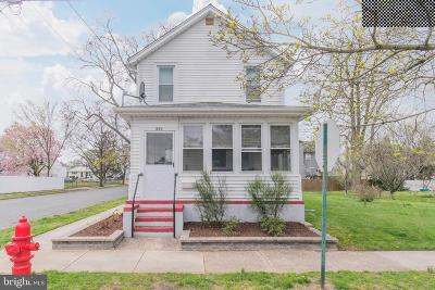 Burlington Single Family Home For Sale: 850 Moorland Avenue