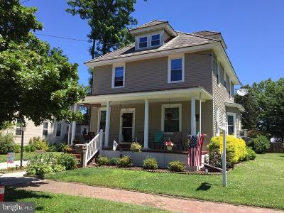 Riverton Single Family Home For Sale: 517 Cinnaminson Street