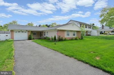 Willingboro Single Family Home For Sale: 58 Hillcrest Lane