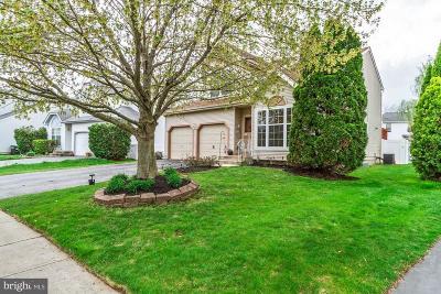 Burlington Single Family Home For Sale: 6 Steeplechase Boulevard