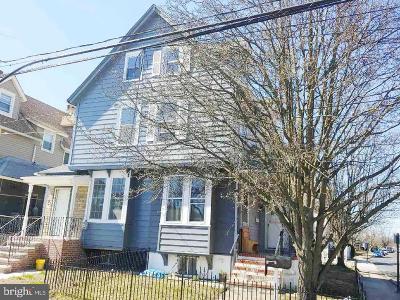 Burlington Single Family Home For Sale: 500 Locust Avenue