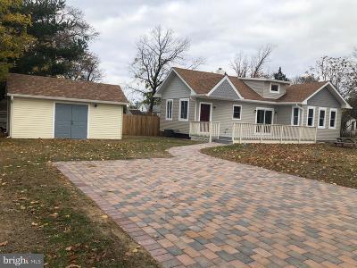 Burlington Single Family Home For Sale: 4 Dresser Avenue