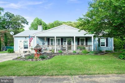 Burlington Single Family Home For Sale: 16 Tall Timber Lane