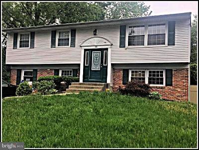 Burlington Single Family Home For Sale: 22 Longwood Drive