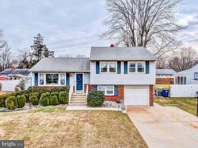 Bordentown Single Family Home For Sale: 14 Lexington Road