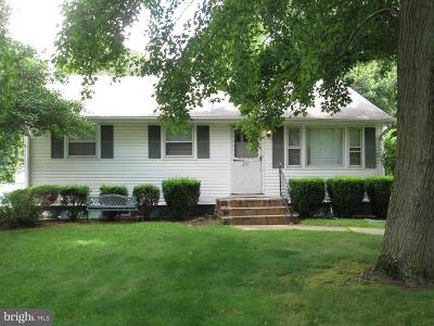 Wrightstown Single Family Home For Sale: 207 Platt Avenue