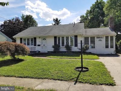 Delanco Single Family Home For Sale: 415 Delview Lane