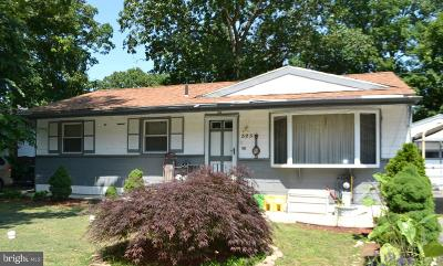 Mount Laurel Single Family Home For Sale: 323 Timberline Drive
