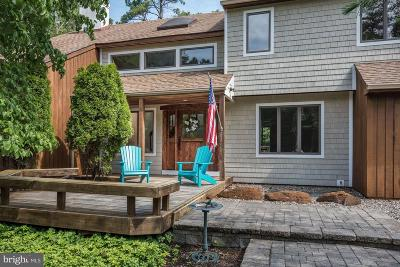 Medford Single Family Home For Sale: 19 Wakefield Drive