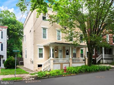 Bordentown Single Family Home For Sale: 114 Walnut Street