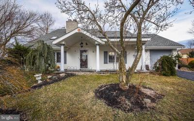 Evesham Single Family Home Active Under Contract: 5 Holden Court