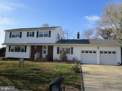 Bordentown Single Family Home For Sale: 14 Bennington Road