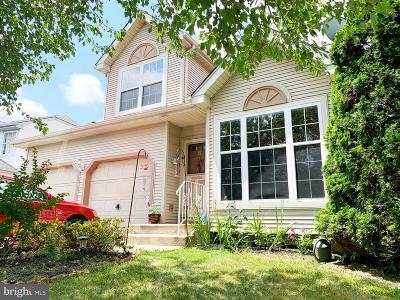 Burlington Single Family Home For Sale: 6 Steeplechase Boulevard
