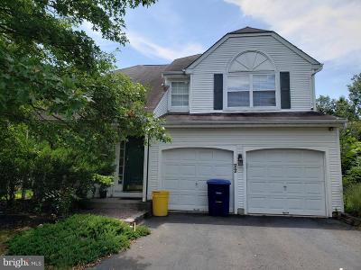 Burlington Single Family Home For Sale: 22 Foxchase Drive