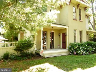 Florence Single Family Home For Sale: 440 E Front Street