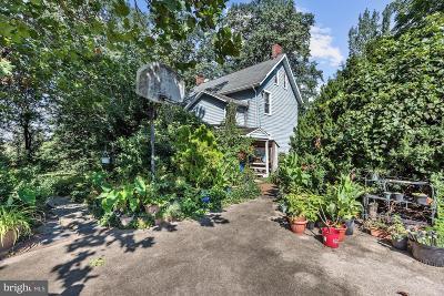 Burlington Single Family Home For Sale: 3 Kingsbridge Drive