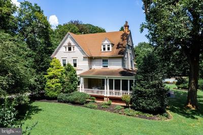 Cinnaminson Single Family Home For Sale: 2328 Riverton Road