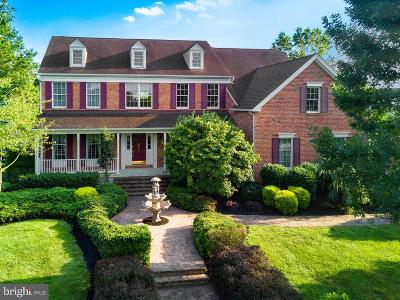 Chesterfield Single Family Home For Sale: 9 Thorn Lane