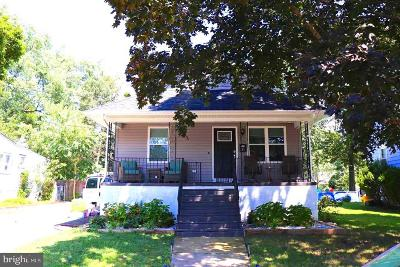 Maple Shade Single Family Home For Sale: 33 N Clinton Avenue