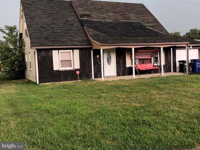 Willingboro Single Family Home For Sale: 73 Marboro Lane