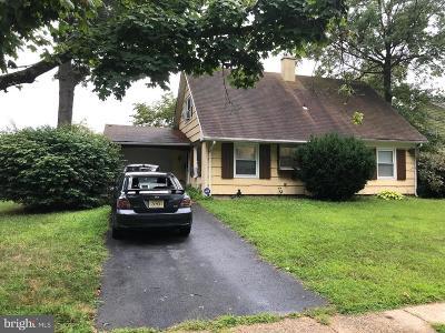 Willingboro Single Family Home For Sale: 22 Bancroft Lane