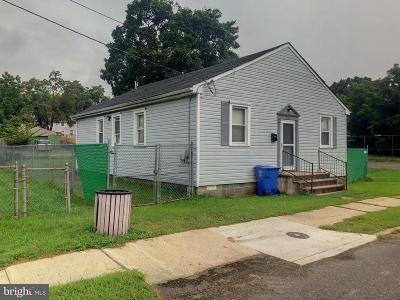 Mount Holly Single Family Home For Sale: 246 Chestnut Street