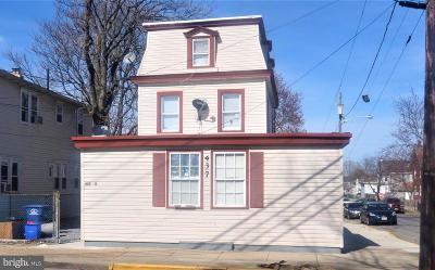 Riverside Multi Family Home For Sale: 437 Bridgeboro Street